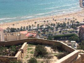 … Der Name erinnert daran, dass die Burg am 4. Dezember 1248, dem Tag der hl. Barbara durch Alfonso X. von Kastilien von der maurischen Besetzung befreit wurde.
