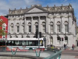 Viele stattliche Gebäude aus dem 19. Jahrhundert geben der zweitgrössten Stadt der irischen Repbulik ein eigenes Gepräge.