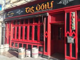 Das meist konsumierte Getränke in den zahlreichen Pubs dürfte der Grund sein, dass diese Tonnen leer stehen.