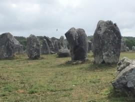 Diese Steinreihen in Carnac sind bie berühmtesten und grössten der Welt: Auf etwa 400 000 m2...