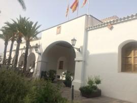 Das neben der Kirche Santo Domingo gelegene Klostergebäude dient seit 1838 als Rathaus von Eivissa.