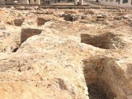 Necropolis Punica: Das Miteinander von Grabhöhlen und Museum in Eivissas Puig des Molins verschafft Einblicke in das Ibiza verganener Zeiten.
