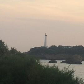Vom 1834 erbauten, 73 m hohen und von weither sichtbaren Leuchtturm Biarritz ist die Aussicht überwältigend.