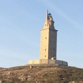 Der Herkulesturm ist der älteste noch intakte und in Betrieb stehende Leuchtturm der Welt. Seit der Zeit Kaiser Traianus weist dieses einzigartige Leuchtturmbauwerk den Seefahrern den Weg.