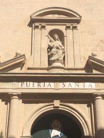 Die Co-Kathedrale St. Nicholas aus dem 15. Jahrhundert wurde 1959 von Papst Johannes XXIII diesen Status.
