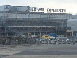 Der Flughafen Kopenhagen-Kastrup ist mit über 25 Millionen Passagieren pro Jahr der grösste Flughafen Skandinaviens...