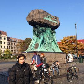 Das Denkmal von Axel Ebbe Arbetets ära (Ehre der Arbeit) auf dem Möllevångstorg geht auf die Arbeitergeschichte zurück.