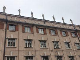 Überall stösst man auf interessante Details wie hier auf Dächern...