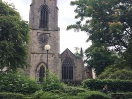 Die anglikanische Kirche St. John's ist die älteste Kirche in Leeds.