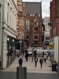 Albion Place ist ein Strassenzug, in welchem die viktorianischen Gebäude besonders schön zur Geltung kommen.